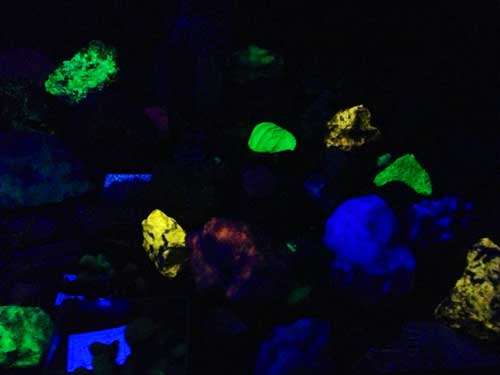 Gem tour - Glow in the dark